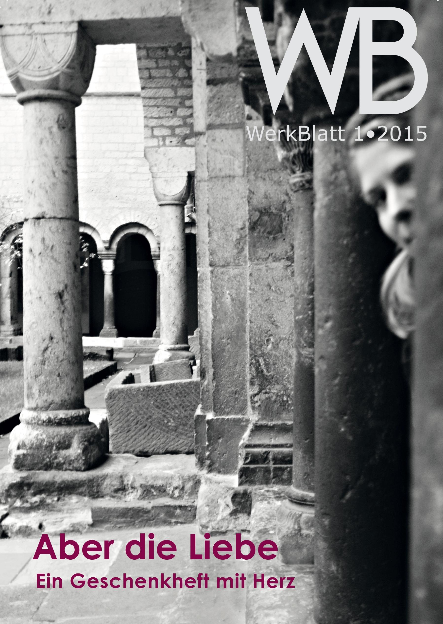Fotografie von antiken Säulen-Ruinen in schwarz-weiß